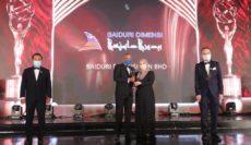 Baiduri Dimensi menerima Anugerah SME100 Award 2020